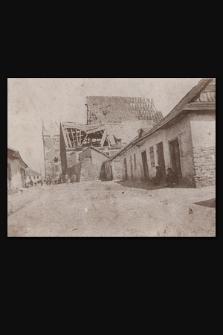[Zburzony kościół w Wiślicy maj 1915 r.]
